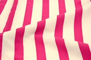 【卒業式の袴におすすめな二尺袖着物】アイボリー/ピンク/ストライプ/重衿付き/モダン/小振袖/謝恩会/レディース/単品/送料無料