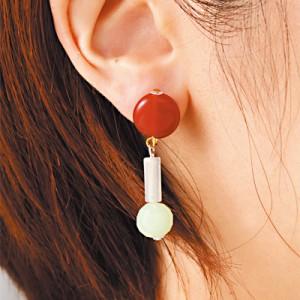 赤白緑/細ビーズのデコラティブイヤリング