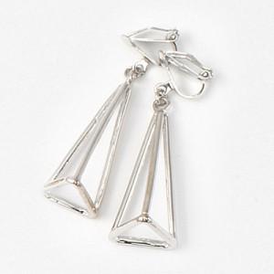 銀色/立体トライアングルフレームイヤリング