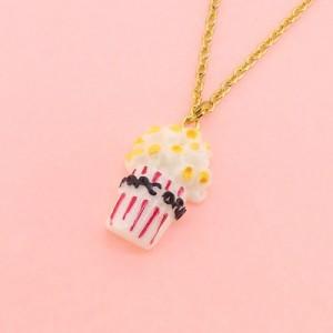金色/ポップコーンモチーフのネックレス