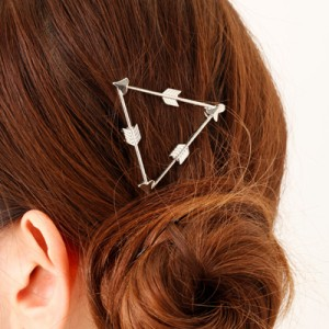 銀色/弓矢三角マグネットヘアピン