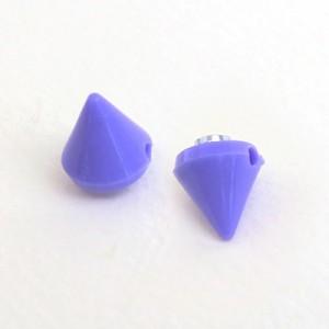 【56%OFF】紫/ネオンカラー円すいスタッズ風マグネットピアス(両耳用)