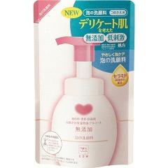 カウブランド 無添加泡の洗顔料 つめかえ用(180mL)(発送可能時期:3-7日(通常))[洗顔フォーム]