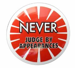 コトワザステッカー 見かけで判断するな NEVER JUDGE BY APPEARANCES 防水加工 メール便可