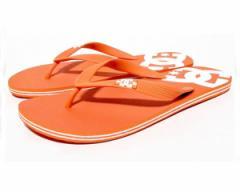 ディーシーシューズ トング部分にDCのアイコン ヒール部分のロゴデザイン トレンドカラー オレンジ いかがすか ビーチサンダル メンズ DC