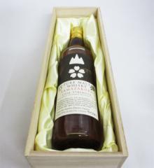 ピュアモルトウイスキー 山桜 15年 カスクストレングス ノンチルフィルタード ナチュラル カラー 59度 500ml (木箱入り)