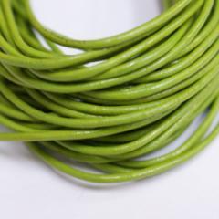 本革 丸紐 1.5mm ライトグリーン 1M単位の切り売り 皮ひも 黄緑 緑 若葉色 革紐 皮紐 革ひも レザーコード