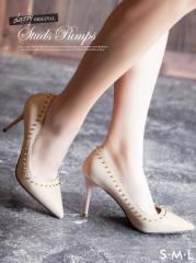 スタッズ付エナメルポインテッドトゥパンプス / 靴