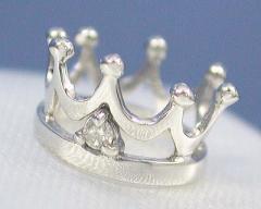 【送料無料】 【4月の誕生石:ダイヤモンド】 K18WG ダイヤモンド ベビーリング【クラウン『プリンス』タイプ】