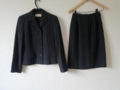トラサルディー TRUSSARDI スカートスーツ サイズ40【M】 レディース ダークグレー×グレー ストライプ【中古】