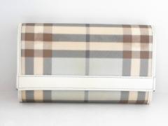77c728024b99 バーバリー Burberry 2つ折り財布 レディース ライトブルー×ブラウン×白 チェック柄 PVC(