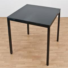 【送料無料!ポイント2%】清潔感あふれるガラス天板!URBANガラステーブル70 2色