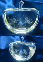 ガラスのリンゴ3D/美麗ケース付き◆名入れ誕生日プレゼント、結婚祝い、出産祝い、クリスマスプレゼント、ギフト彫刻ギフト