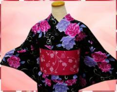 夏粋浴衣・結び帯(付け帯)・下駄or髪飾り3点セット黒地薔薇蝶