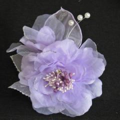 DCX011 紫 浴衣・結婚式・花・入園式・卒園式・パーティー・二次会・髪飾り・羽付コサージュ・クリップ2WAYタイプ