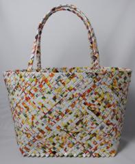 【手編みバッグ】 Kilus ジュースバック 肩掛けバッグ 手作り 手編み オープン型 白基調カラー