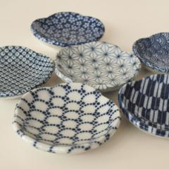 和食器 和皿 おしゃれな陶器の小皿 印判 梅小鉢 日本製 美濃焼 / 吉祥文様 プレゼント ギフト