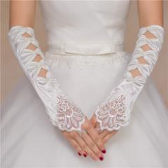 キャバ嬢・パーティー・結婚式のフォーマルシーンの必需アイテム!パールビーズ装飾4蓮穴あきサテンロンググローブ
