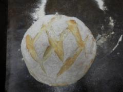 奇跡の30年自家製天然酵母パンヌーボー。低カロリーで食べやすいパンとして、サンドやトーストにも美味しいパンです。