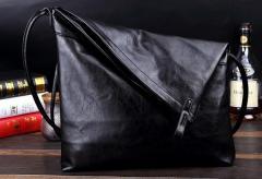【送料無料】ショルダーバッグ メンズ フェイクレザー ブラック 軽量 斜め掛け