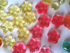 ぷち、さくらキャンディ・はわずか、200粒から作っちゃいます、アナログ−年代ものの機器を利用して。