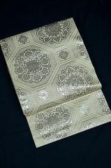 中古 白地に銀の華文 袋帯 T255