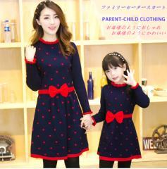 秋のにおい 親子ペアルック  モータースカート 子供服 女性服 2016新品 ニットワンピース 編み飾り リボン cosgold