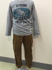 BE-ZIGY [セール] 子供服 男の子 ロゴ・恐竜プリント バックプリント 長袖Tシャツ 100cm 110cm 120cm 130cm