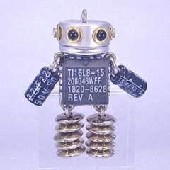 「NANONANO−M095」 電子部品を使ったロボットアクセサリー・携帯ストラップ