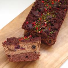 成城石井自家製 3種ドライフルーツのショコラベリーチーズケーキ 1本