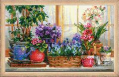 RIOLISクロスステッチ刺繍キット No.1669 「Windowsill with Flowers」 (窓敷居の花) 【取り寄せ/納期1〜2ヶ月】