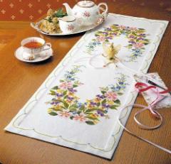 Olympusクロスステッチ刺繍キット1190 「ワイルドローズのテーブルセンター」