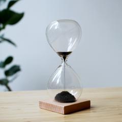Magnetic Hourglass マグネティックアワーグラス 砂時計  Kikkerland キッカーランド detail オブジェ インテリア 置物