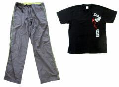 UNIQLO ユニクロ「L」ナイロンテックパンツ (Tシャツ付き) 091929
