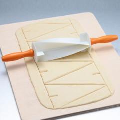 クロワッサンカッター 麺棒 製パン用品 ( 二等辺三角形 切れ目 )