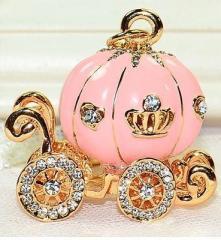 キーホルダー かぼちゃの馬車 シンデレラ風 キラキラ (ピンク)