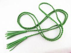 【お取り寄せ】ベルト フリンジ付き スエード調 編み込み 細身 (グリーン)