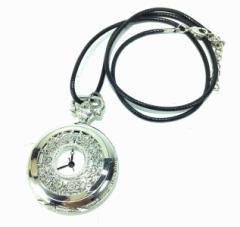 懐中時計 アンティーク風 透かしのリーフ シンプルな紐 シルバー