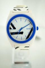 NIXON(ニクソン) タイムテラー P 腕時計 表記無 ホワイト × ブルー レディース【バズストア 古着】【中古】