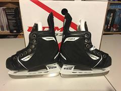 インラインスケートCCM RBZ Rapide Youth Hockey Skates - Size 2 (US Shoe Size 12.5