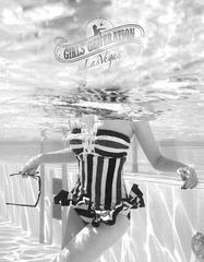 送料無料有/[グッズ]/[輸入盤]少女時代・イン・ラス・ヴェガス [フォトブック+DVD/輸入商品]/少女時代/NEOIMP-90068