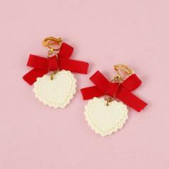 赤リボン&ホワイトチョコ風ハート/イヤリング