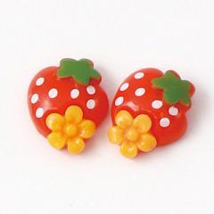 赤/お花付きイチゴのマグネットピアス