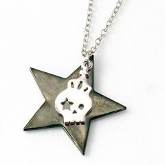 銀/ドクロと黒ニッケル星のネックレス