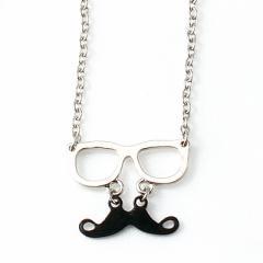 銀/メガネと黒ひげのネックレス