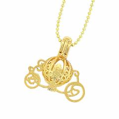 金色/馬車型ネックレス