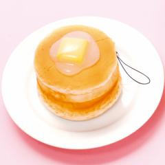 バター乗りパンケーキのスクイーズストラップ