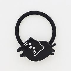 黒/寝そべりネコプレートヘアゴム