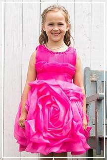 大輪のローズが咲き誇る、主役級お姫様ドレス
