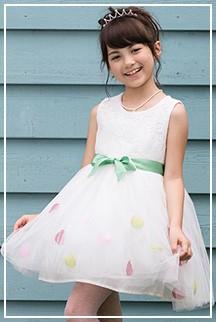 水玉模様がキュート&ポップなショートドレス♪